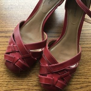 Predictions Red Lucy Wedge 8 Heels